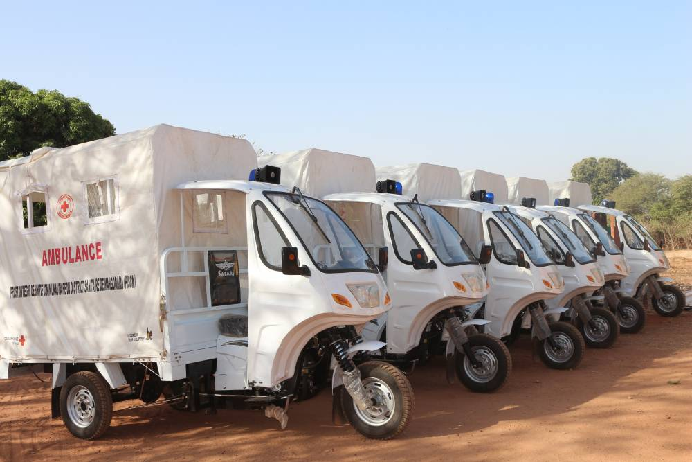 10 motos ambulances...